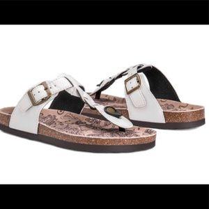 NEW Mukluks Marsha White Leather Sandals Cork Sz 6